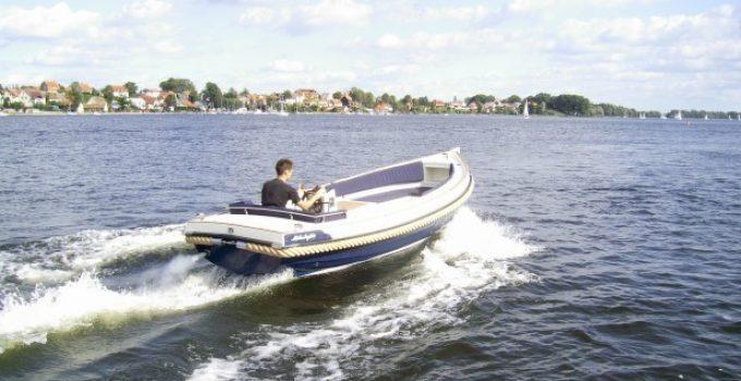 Wo kann man ein günstiges Motorboot kaufen?