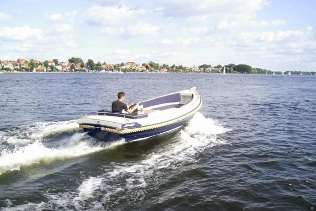 Motorboot Kaper 570